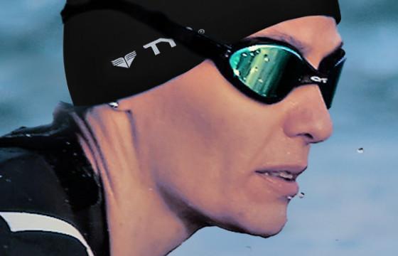 Ioana Precup înoată o oră în apa Mării Negre pentru Special Olympics