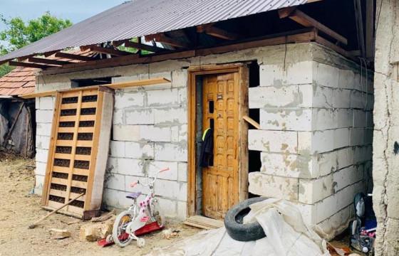 Construim ACASĂ, renovand o casa