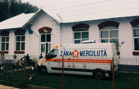 Zâna Merciluţă - cabinet stomatologic mobil gratuit pentru copii