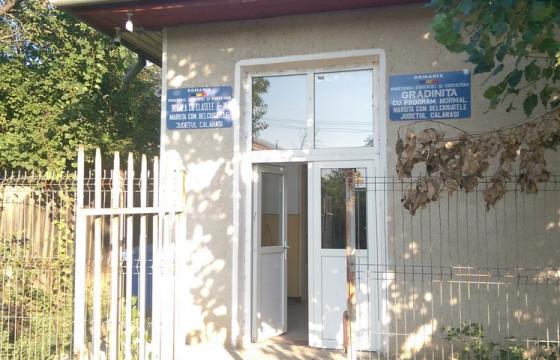 Rechizite pentru copiii scolii Gimnaziale din MARIUTA ,Jud Calarasi