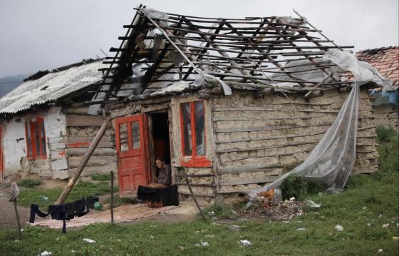 Locuințe decente pentru comunitatea din Ponorâta