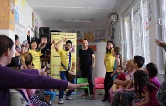 Grijă pentru copiii în suferință / Caring for the children in need